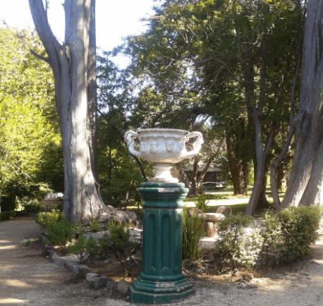 Vase in Lota Park